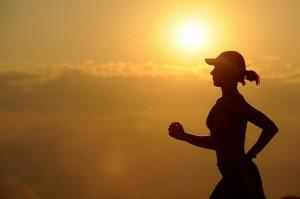 Corrida é um dos esportes mais indicados para o emagrecimento, porém exige da pessoa disciplina e tempo para prática